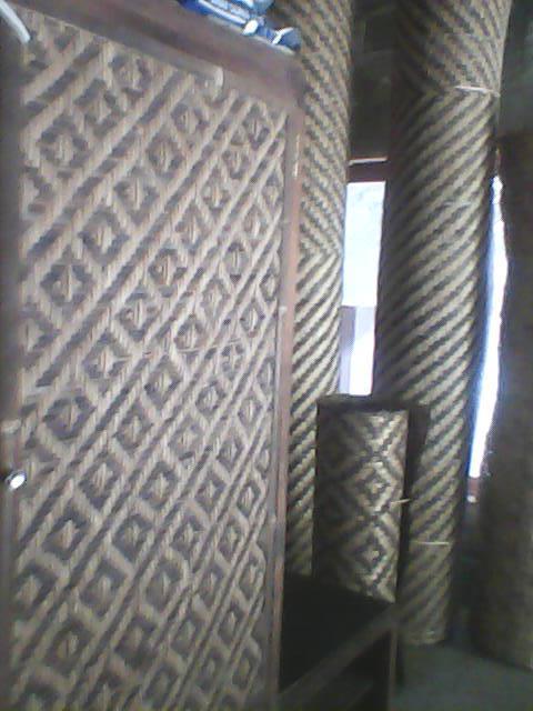 ... yang berminat dengan kerajinan anyaman bambu kami. Bisa hubungi